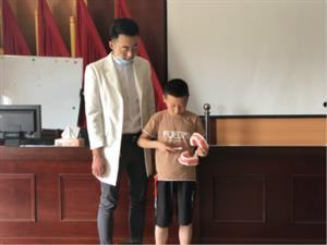 坛丘社区开展青少年口腔保健知识讲座